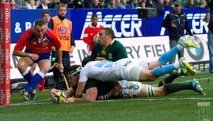 Marcell Coetzee scores against Argentina in The Rugby Championship. Photo by Bertram Malgas /Rugby15.