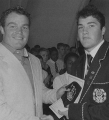 Kearsney College schoolboy Brad Barritt (right) receives his rugby honours award from Matt Stevens in 2004