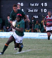 Glenwood High School vs Maritzburg College - 2013.08.03 - Glenwood fly half Sphamandla Ngcobo - Photographer Cyndi Gilbey