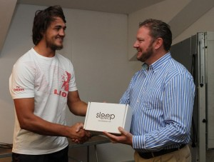 Franco Mostert receiving his SleepSpecs from dr Rob