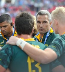 LAS VEGAS, UNITED STATES OF AMERICA - MARCH 03:  South Africa coach Neil Powell addresses his team after playing against England during day 2 of the 2018 HSBC USA Sevens at Sam Boyd Stadium on March 03, 2018 in Las Vegas, United States of America. (Photo by David Becker/Gallo Images)
