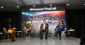 MC Motshidisi Mohono, Jesse Kriel, John Smit and Mapula Modibe of MTN during the Announcement of the Official Bozza of the Springboks Pic Sydney Mahlangu/BackpagePix